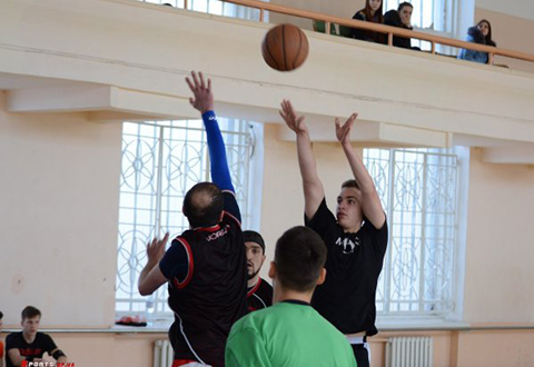Стритболисты Каменского провели турнир Днепродзержинск
