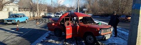 В Каменском автомобиль «ВАЗ» врезался в столб  Днепродзержинск