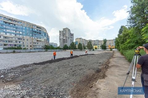 В Каменском полным ходом идёт строительство трёх многофункциональных стадионов Днепродзержинск