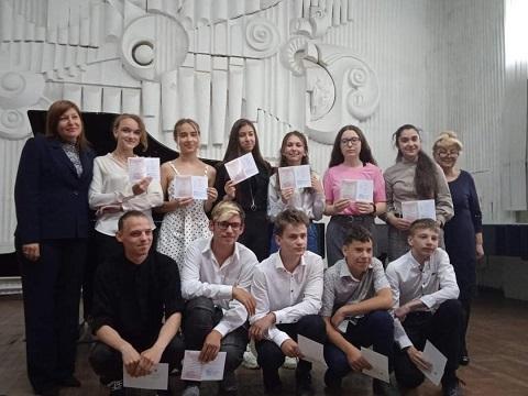 В Школах искусств г. Каменское простились с выпускниками Днепродзержинск