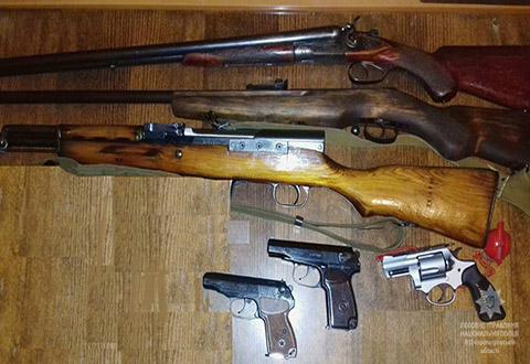 В отделения полиции Каменского граждане сдали 58 единиц оружия и боеприпасов Днепродзержинск