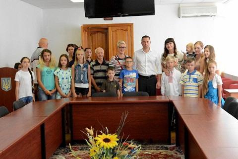 Дети погибших воинов АТО побывали на встрече с мэром Каменского Днепродзержинск