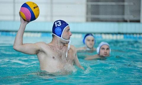 Сборная страны по водному поло после тренировок в Каменском проведет игру в Черногории Днепродзержинск