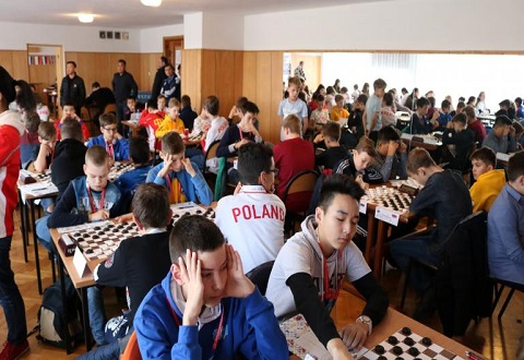 Каменчане стали участниками этапа молодежного первенства мира по шашкам-100 Днепродзержинск