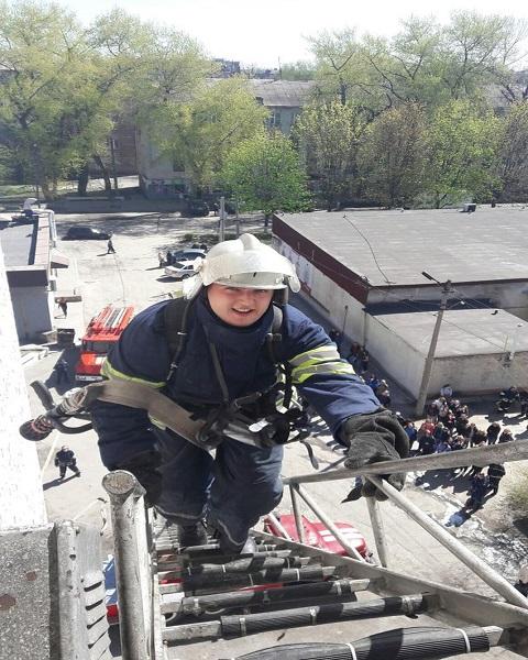Спасатели г. Каменское активно участвовали в мероприятии ко Дню охраны труда Днепродзержинск