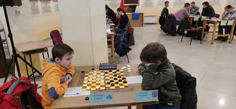 Блиц-игра на чемпионате страны по шашкам-100 принесла спортсменам Каменского 3 медали Днепродзержинск