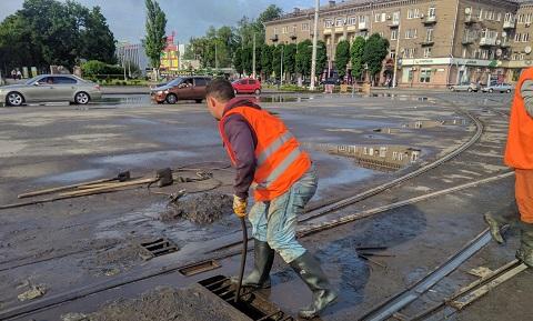 Ливневки г. Каменское очистили после подтопления Днепродзержинск