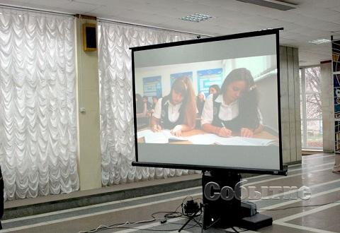 Школьникам Каменского подготовили праздник сотрудники и студенты ДГУВД Днепродзержинск