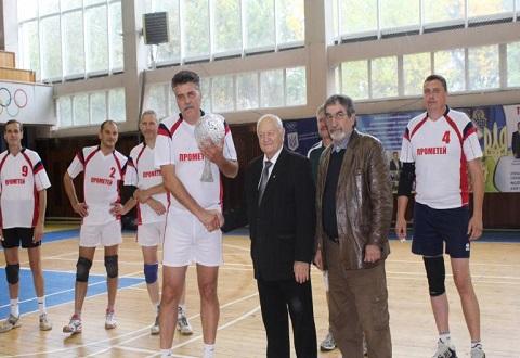 В Каменском финишировал всеукраинский турнир по волейболу Днепродзержинск