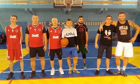 В Каменском завершили групповой этап по баскетболу Спартакиады «Здоровье» Днепродзержинск