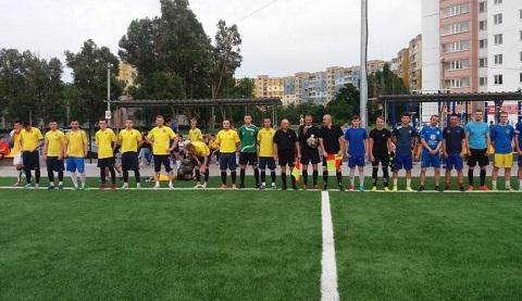 Футбольные команды Каменского провели стартовые матчи чемпионата города Днепродзержинск