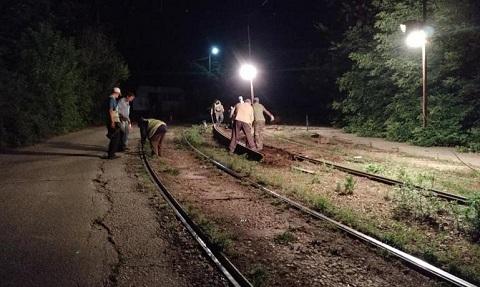 КП «Транспорт» в ночное время провело ремонт трамвайных путей по маршруту № 2  Днепродзержинск