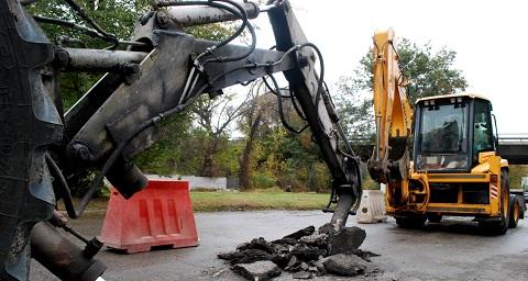 «Каменской горводоканал» проводит ремонтные работы в районе «Городка ДДГРЭС» Днепродзержинск