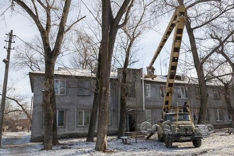 В Каменском продолжают ремонт кровли домов Днепродзержинск