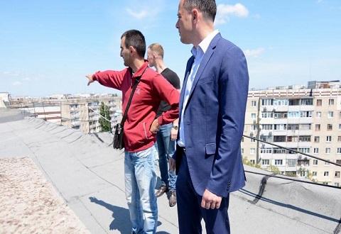 Мэр Каменского инспектировал на Левобережье города объекты жилого фонда Днепродзержинск