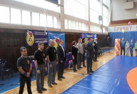 В Каменском проходит масштабный мемориальный турнир по греко-римской борьбе Днепродзержинск