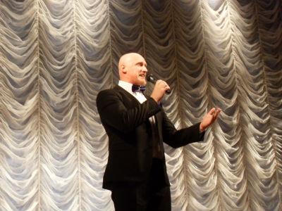 Перевоплощение О. Волощенко в каменском театре Днепродзержинск