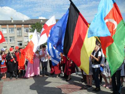 Присоединяйся к празднику открытия фестиваля в Каменском Днепродзержинск