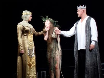 «Гамлет» на сцене театра им. Леси Украинки Днепродзержинск