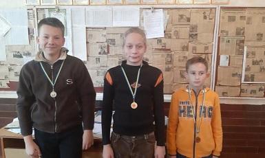 Шашечный клуб г. Каменское провел первенство игроков до 16 лет