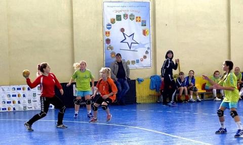 Гандболистки Украины провели игры первого тура чемпионата страны в Каменском Днепродзержинск