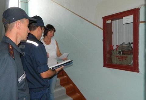 Внеочередную проверку школ проводят спасатели в Каменском Днепродзержинск