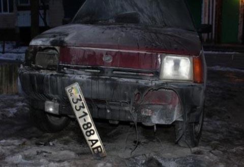 В Каменском один автомобиль горел, второй попал в ДТП Днепродзержинск