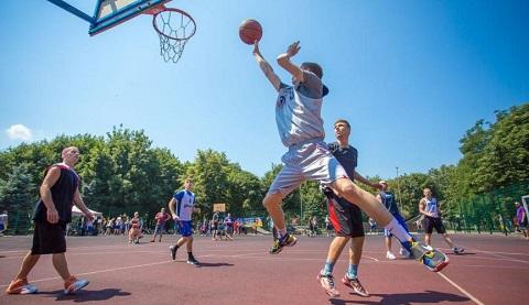 Стритболисты г. Каменское провели турнир Днепродзержинск