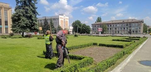 Главная клумба г. Каменское преобразилась Днепродзержинск