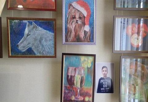 Начинающие художники Каменского стали участниками выставки Днепродзержинск