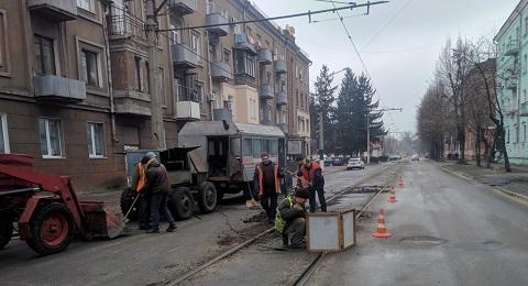 В Каменском провели стяжку рельсов трамвая Днепродзержинск