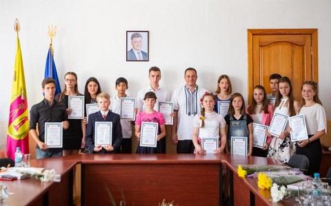 Юные таланты Каменского получили стипендии городского головы Днепродзержинск