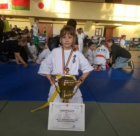 На Кубке Молдовы каратистка из г. Каменское заняла первое место Днепродзержинск