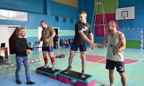Впервые в г. Каменское соревновались кросслифтингисты Днепродзержинск