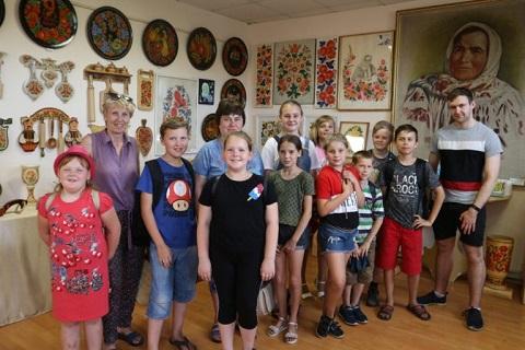 В Каменском волонтер провел занятия в языковом лагере для детей Днепродзержинск