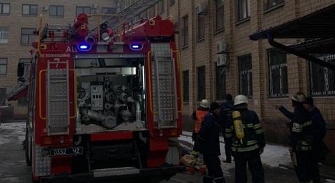Каменские спасатели проводят тактические учения в здании горсовета Днепродзержинск
