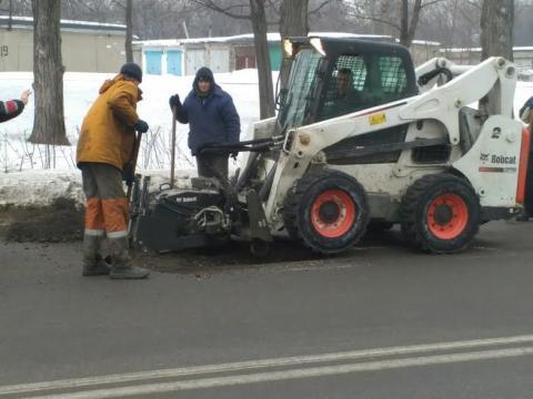 О сохранности дорог Каменского заботится власть и дорожные службы Днепродзержинск