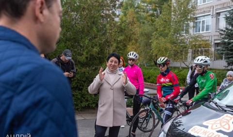 Федерация велоспорта г. Каменское получила автомобиль Днепродзержинск