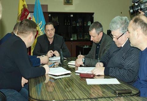 В Каменском провели рабочее совещание по вопросу ремонта дорог  Днепродзержинск
