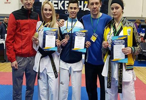 Тхеквондистки Каменского успешно выступили в Одессе на Чемпионате страны Днепродзержинск