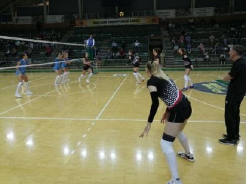Волейбольная команда «Прометей» г. Каменское одержала первую победу над «Химиком» Днепродзержинск