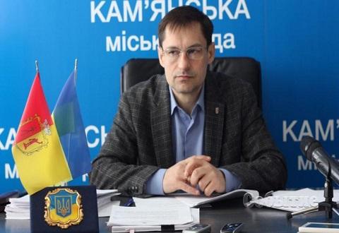 Перед сессией секретарь горсовета Каменского провел брифинг Днепродзержинск