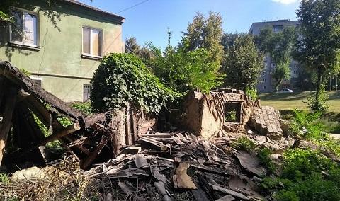 Для благоустройства дворов Каменского ведут борьбу со стихийными свалками Днепродзержинск