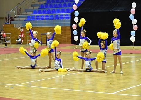 Черлидеры Каменского на чемпионате страны получили 16 наград Днепродзержинск