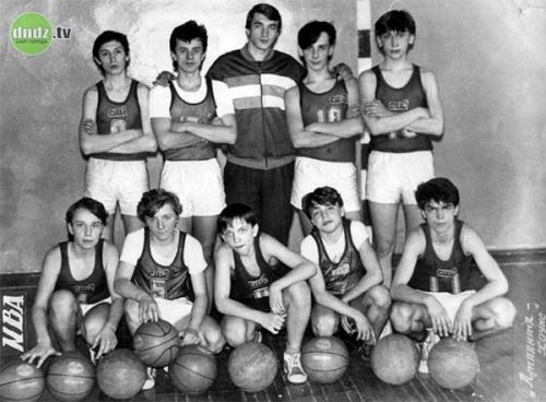 1990 год команда под руководством Ю Мокиенко заняла 12 место из 24 команд в областном первенстве